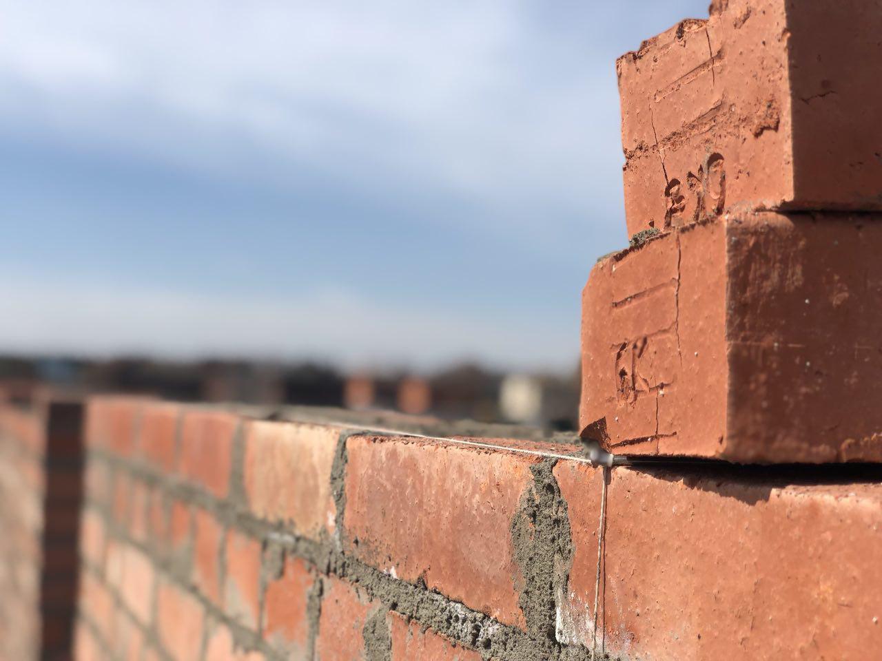 Обследование стен зданий